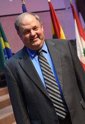 Dr. Martin Holman